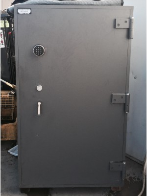 TL-15 Commercial Safe Used